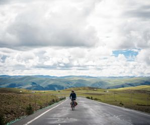 Travel tips show the path to 30,000 enthusiasts cycling to Tibet
